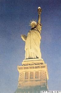 自由女神像的脚_自由女神像,StatuteofLiberty,音标,读音,翻译,英文例句,英语词典